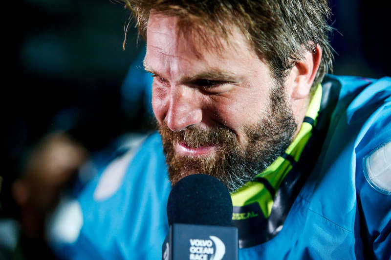 Team AkzoNobel holds off late charge to win epic Leg 6 into Auckland