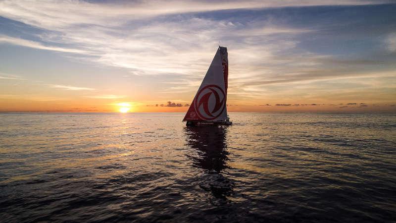 No pain, no gain, as Doldrums take their toll - Volvo Ocean Race
