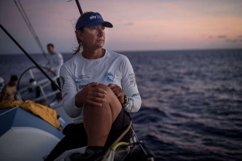 Splitting the reefs looking for an advantage - Volvo Ocean Race