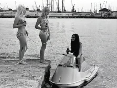Maidens of the past at Ladies Day! - Southampton Boat Show